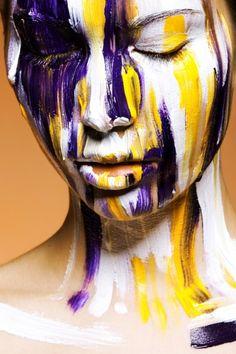 Cores complementares - violeta e amarelo