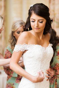 wedding hairstyle; photo: Nicole Berrett Photography