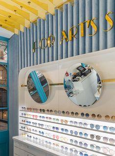Shop Counter Design, How To Make Frames, Glass Showcase, Jewellery Showroom, Glasses Shop, Optical Shop, Shops, Optometry, Key Design