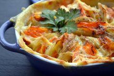 Je fais très souvent des gratins « un peu Dauphinois » avec des légumes et de la crème. C'est très simple, très bon, et peut faire office de dîner sous forme de plat unique. Ma toute première version était une alliance de pommes de terre et de potiron...