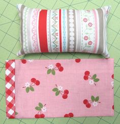 Bee In My Bonnet: A Pillow and Pillowcase Tutorial.(how to do the edge piece) American Girl Diy, American Girl Clothes, Ag Doll Clothes, Doll Clothes Patterns, Doll Patterns, Quilt Patterns, Sewing Patterns, Girl Dolls, Baby Dolls