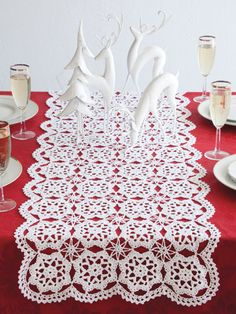 Snowflake Runner.  I want to try making this.  My grandmother made such beautiful ones.