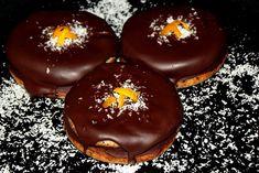 Islere cu crema de ciocolata - CAIETUL CU RETETE Romanian Food, Caramel Apples, Doughnut, Baked Goods, Food And Drink, Pudding, Sweets, Cookies, Baking