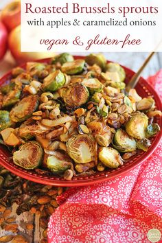 This roasted Brussels sprouts recipe with apples and caramelized onions is perfect for a Thanksgiving table or as an autumn side dish. Dotted with pistachios, this dish gives salty sweetness to pungent Brussels sprouts. Vegan Side Dishes, Food Dishes, Vegan Thanksgiving, Thanksgiving Table, Vegan Christmas, Christmas Desserts, Christmas Recipes, Christmas Holidays, Quick Vegetarian Meals