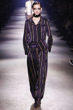 Dries Van Noten Fall 2016 Ready-to-Wear Fashion Show - Look 20 Look Fashion, Runway Fashion, Fashion News, High Fashion, Fashion Show, Fashion Design, Fashion Trends, Paris Fashion Week 2016, Margiela