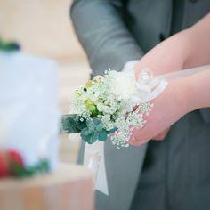 結婚式のケーキナイフを可愛く装飾するナイフ装花のデザインまとめ | marry[マリー]
