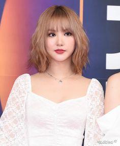 Gfriend-Eunha 191225 SBS Gayo Daejeon 2019 Best Picture For korean beauty advertising For Your Taste Daejeon, Korean Beauty Tips, Asian Beauty, Cute Girls, Cool Girl, Ulzzang Hair, Beauty Logo, Korean Girl Groups, Pretty People