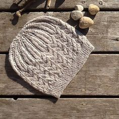 """lazy-vegetarian: """"Stones on the Beach Hat by Jennifer Knight (Free pattern on Ravelry) """"Great Ideas: 10 One-Skein Sock Yarn Projects. That Aren't Socks – Fairlight FibersLovely Yarn Escapes : Friday Ideas for March for Science Hats! Beanie Knitting Patterns Free, Loom Knitting, Knitting Socks, Crochet Patterns, Crochet Beanie, Knit Or Crochet, Knitted Hats, Crochet Hats, Yarn Projects"""