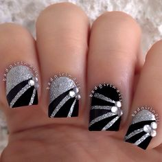 Image via Fashion silver nail art designs Image via Image via Water Marble Silver Nail Art - These are beautiful! Image via Silver Ombre nail art Image via Classy We New Year's Nails, Hot Nails, Hair And Nails, Nails 2016, Black Silver Nails, Silver Nail Art, Silver Glitter, Lace Nail Art, Glitter Nails