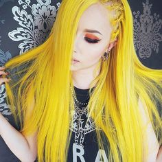 Yellow hair up in hurr Yellow Hair Dye, Hair Color Blue, Cool Hair Color, Colored Hair, Straight Lace Front Wigs, Scene Hair, Emo Scene, Scene Girls, Dyed Hair