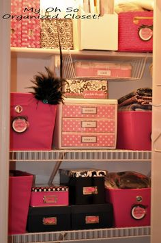 hello!! In my office colors!! Take note of the neat & organized closet