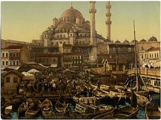 La place Emin-Onou [Eminönü] et Yeni Djami [Yeni Cami, the New Mosque]. From the Photochrom Prints Collection at the Library of Congress More photochroms from Turkey Aya Sophia, Serious Game, Empire Ottoman, Mont Saint Michel, Old City, Byzantine, National Geographic, Les Oeuvres, Basel