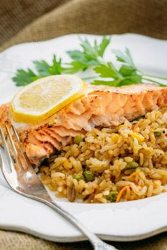This oven baked glazed salmon recipe has a well-seasoned, tangy crust and it's so easy to make. The glaze seals in the wonderful juices in this oven baked salmon. Healthy Baked Fish Recipes, Gluten Free Vegetarian Recipes, Healthy Salmon Recipes, Seafood Recipes, Free Recipes, Paleo, Keto, Oven Roasted Salmon, Glazed Salmon