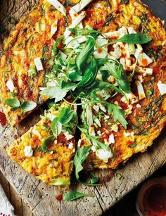 Harissa, basil and feta frittata - a lovely dinner for 2 that's vegetarian and gluten-free, with a spicy kick that's balanced out by crumbled feta. Loved by vegetarians and carnivores alike!