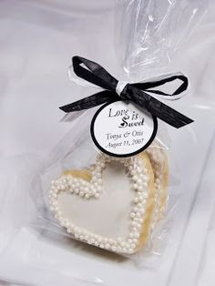 #wedding favours! Here's an idea, Everyone enjoys something sweet!