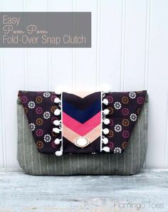 Our previous post focused on free patterns for tote bags ; in today's post we're sharing 25 free patterns for purses, handbags, and zippered...