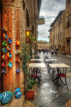 Alley in San Gimignano Tuscany Italy  ✈✈✈ Don't miss your chance to win a Free Roundtrip Ticket to Bologna, Italy from anywhere in the world **GIVEAWAY** ✈✈✈ https://thedecisionmoment.com/free-roundtrip-tickets-to-europe-italy-bologna/
