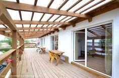 Dom Wczasowy nad jeziorem koło Mikołajek. Więcej informacji na: http://www.nocowanie.pl/noclegi/mikolajki/domki/101015/