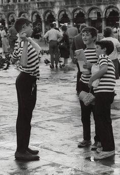 L'ultima Venezia e L'Isola degli dèi: Venezia celebra la fotografia di Gotthard Schuh con due mostre a Palazzo Loredan e Palazzo Franchetti