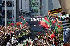 Seleção chegou a Portugal e mergulhou na multidão