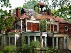 Abandoned mansion...how beautiful this must have been.