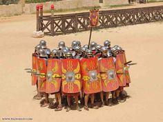 Roman Army Reenactment and Formations Military Tactics, Military Art, Military History, Imperial Legion, Ancient Armor, Roman Legion, Armadura Medieval, Roman Soldiers, Roman History