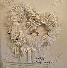 http://penny-pennystreasures.blogspot.com/2014/11/silver-and-gold-christmas-decor.html