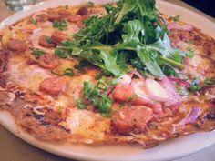 Pizza-crêpe à la saucisse de veau et fromage 1608, en menu midi au restaurant Lapin Sauté, dans le Quartier Création (Petit Champlain)