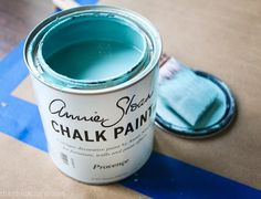 A Beginner's Guide to Using Annie Sloan Chalk Paint & Wax: One Beginner's Tips to Another! | I let my intimidation over using Annie Sloan Chalk Paint keep me from exploring the medium for all too long. Now that I have finally given it a whirl, I'm eager to empower other beginners to give it a go. It's SO much easier than you think it is! Especially with this step by step run-down.