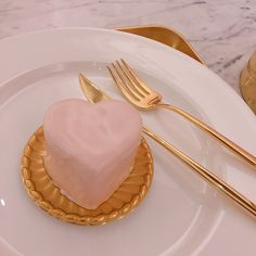 heart dessert with fork , pink - aesthetic - Aesthetics/Moodboards - Cute Food, Yummy Food, Tasty, Aesthetic Food, Pink Aesthetic, Aesthetic Collage, Cute Desserts, Milk Tea, Cute Cakes