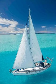 5 Popular Types of Sailboats and Why They're Loved – Voyage Afield Sailing Pictures, Society Islands, Yacht Week, Sailboat Living, Sailing Trips, Best Boats, Yacht Boat, Sail Away, Beaches In The World