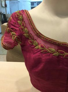 Simple Blouse Designs, Saree Blouse Neck Designs, Bridal Blouse Designs, Blouse Patterns, Hand Work Blouse, Back Neck Designs, Embroidery Works, Simple Embroidery, Embroidery Stitches