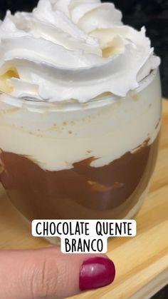 Hot Chocolate Coffee, Mexican Hot Chocolate, Chocolates, Cupcakes, Junk Food, Food Network Recipes, Oreo, Cake Recipes, Good Food