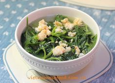 Sweet Potato Leaves Soup Recipe (Canh Rau Khoai Lang) from http://www.vietnamesefood.com.vn/vietnamese-recipes/vietnamese-soup-recipes/sweet-potato-leaves-soup-recipe-canh-rau-khoai-lang.html