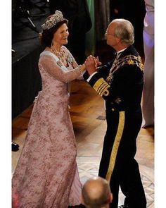 "650 gilla-markeringar, 6 kommentarer - Swedish Royals (@svenskakungligt) på Instagram: ""King Carl Gustaf of Sweden and his wife Queen Sivia at the Crown Princess Victoria's wedding in…"""