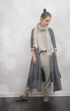 1 linen dress that doubles as a jacket. Linen Wrap Dress / Jacket by KnockKnockLinen on Etsy Coat Dress, Jacket Dress, Vetements Clothing, Mode Simple, Look Fashion, Womens Fashion, Look Street Style, Linen Pants, Linen Dresses