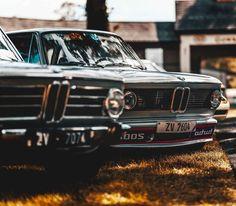 いいね!176.2千件、コメント443件 ― BMWさん(@bmw)のInstagramアカウント: 「Always stick together. The #BMW 2002. #BMWrepost @brianwalshphotos #BMWClassic」