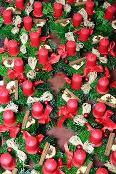 věnce na zakázku Advent Calendar, Holiday Decor, Home Decor, Decoration Home, Room Decor, Advent Calenders, Home Interior Design, Home Decoration, Interior Design