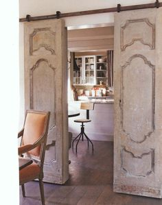 Dishfunctional Designs: New Takes On Old Doors: Salvaged Doors Repurposed - I like this idea. Would be great in a beach house. Salvaged Doors, Repurposed Doors, Barnwood Doors, Rustic Doors, Recycled Door, Old Barn Doors, Barn Style Doors, Sweet Home, Diy Casa