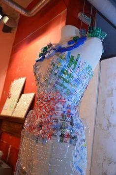 Mathilda Irondelle, BTS Design de mode,  école Pro'artigraph, Nice, 2011, to Museaav // Tag : design, dress, bottle, plastic, recycle, reuse, mode, couture