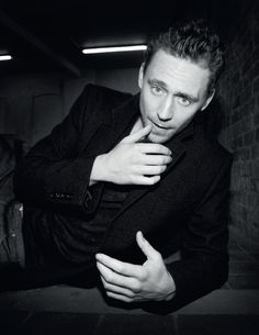 Tom Hiddleston - A god among men? - ELLE UK March 2014 [HQ] (part 2 of 6)