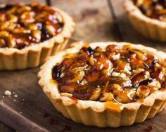 Tarte Caramel, Caramel Tart, Dried Fruit, Cheesecake, Muffin, Veggies, Pie, Treats, Snacks