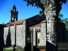 Iglesia de Sta. Mª de Sacos en el concello de Cotobade.