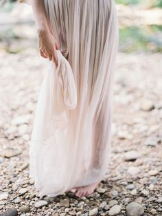 http://www.oncewed.com/wp-content/uploads/2014/11/shop-gossamer-wedding-dress2.png