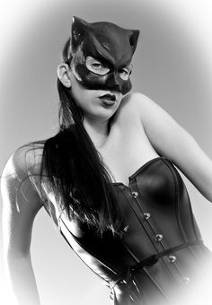 I Believe Mystery is an Essential ingredient in Sexiness Daddy Kitten, Masquerade Costumes, Gothic Halloween, Cat Mask, Leather Mask, Animal Masks, Gorgeous Eyes, Catwoman, Hello Kitty