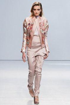 Paris Fashion Week 2012  Anne Valérie Hash