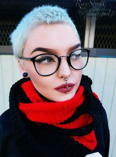 Korte kapsels met bril.