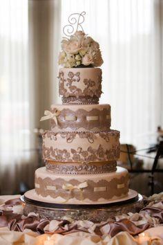 Spectaular Wedding Cake