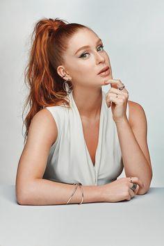 Marina Ruy Barbosa Life by Vivara Night Choices Natural Redhead, Beautiful Redhead, Selfies Poses, High Fashion Poses, Best Photo Poses, Female Character Inspiration, Hottest Redheads, Hair Shades, Vogue