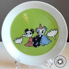 Kuvahaun tulos haulle tiuhti ja viuhti Moomin, Plates, Tableware, Licence Plates, Dishes, Dinnerware, Griddles, Tablewares, Dish